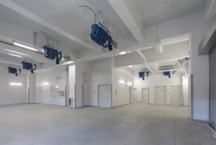 24 車 庫